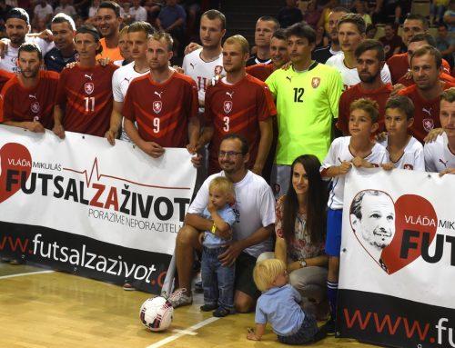 Fotbaloví a futsaloví reprezentanti připravili benefiční večer pro Vladimíra Mikuláše